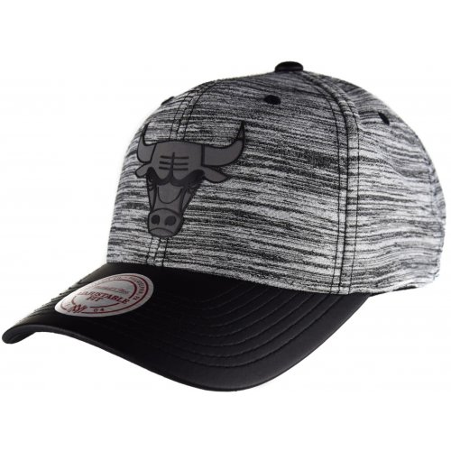 Mitchell & Ness Snapback Cap 110 Curved Swish Chicago Bulls grey/black