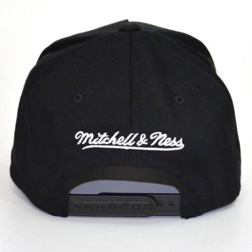 Mitchell & Ness Snapback Cap Team Arch Pinch Panel 110 Los Angeles Lakers black