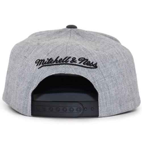 Mitchell & Ness Dual Heather Snapback Cap Milwaukee Bucks grey