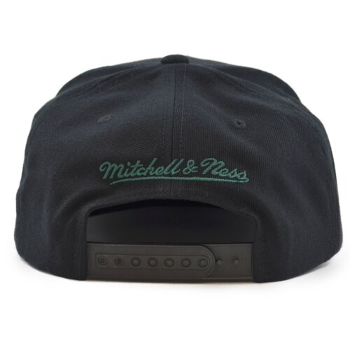 Mitchell & Ness Wool Solid Snapback Milwaukee Bucks black